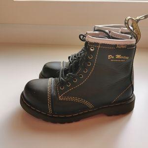 Black dr martens buster b capper boots s10